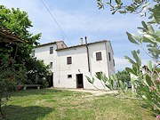farmhouse monte roberto